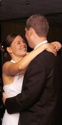 Hochzeitspaar beim Tanzen